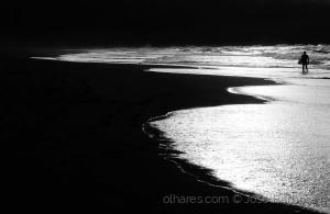 /A saída de cena do surfista das ilhas de bruma .