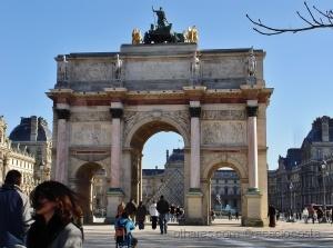 /Com vista para o Louvre