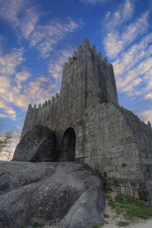 Gentes e Locais/Castelo de Guimarães