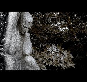 /À mulher que vem da estátua