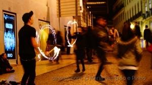 Gentes e Locais/Próximo do fogo, de frente para a câmera!