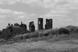 Outros/Ruinas