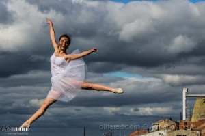 Gentes e Locais/A menina dança?