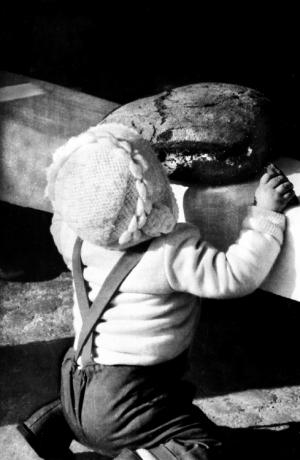 Paisagem Urbana/A criança e o pão