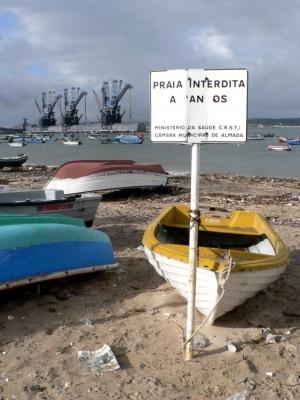 Paisagem Urbana/Praia interdita à anos...