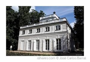 /WHITE HOUSE
