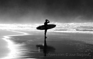 /A sombra do surfista das ilhas de bruma ( LER ) .