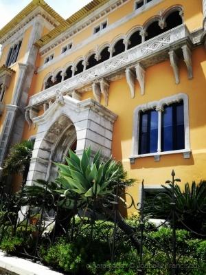Arquitetura/Fachada amarela
