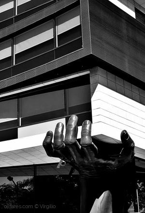 Arquitetura/Mão firme...