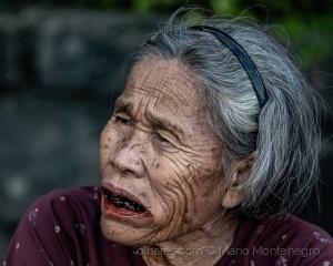 Retratos/A mulher dos dentes negros
