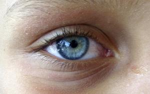 Retratos/ate seria um olho normal.
