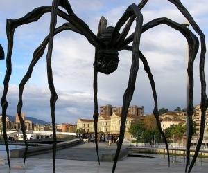 /Spider Statue