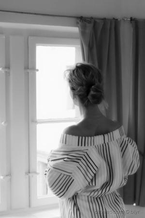 Moda/Na frente da janela