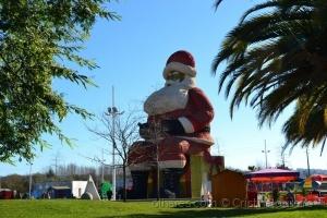Gentes e Locais/O maior Pai Natal do mundo