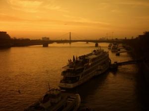 Outros/Rhein ao nascer do dia