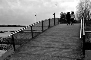/A atravessar a ponte