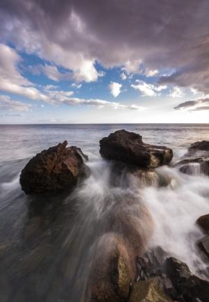 Paisagem Natural/ Between the rocks