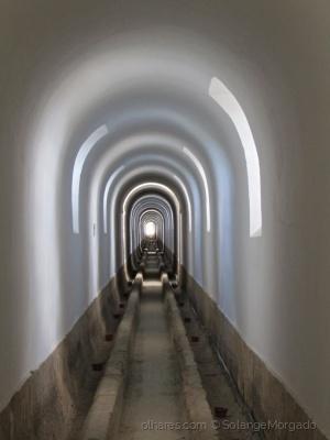 /No interior do Aqueduto das águas livres