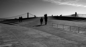 /the people in the Lisbon Light
