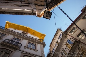 Paisagem Urbana/A casa do telhado amarelo
