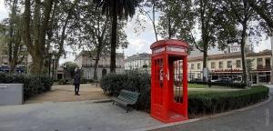 /Cabine telefónica   (Abra a imagem p.f.)