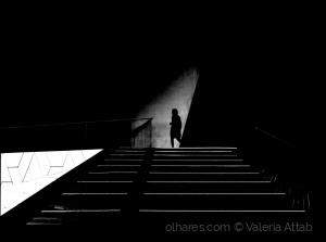 Gentes e Locais/ligth in the darkness....