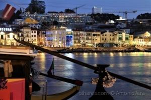 /Gaia à noite - vista da Ribeira  (Porto)