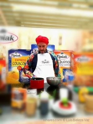 """Gastronomia/O grande chefe  """"Chakal"""" em ação"""