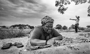 Gentes e Locais/Pray IV