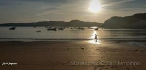 """Gentes e Locais/Quando o Sol """" galgou """" a praia..."""