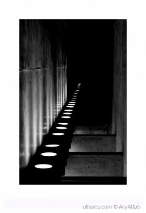 Outros/Paralelismo, luzes diretas, feixes.
