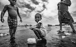 Gentes e Locais/Brincando na praia