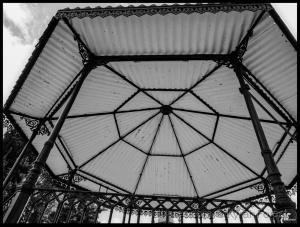 """Arquitetura/"""" Geometria de uma leiga """""""